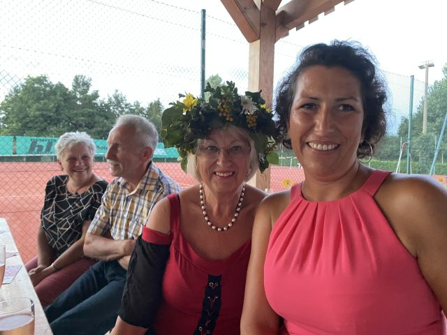 Kristy Augustin, Evelin Miethke und Familie Stahl beim Sommerfest der CDU Letschin (v.r.n.l.)